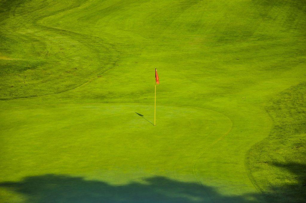 Rasensprenger Golfplatz