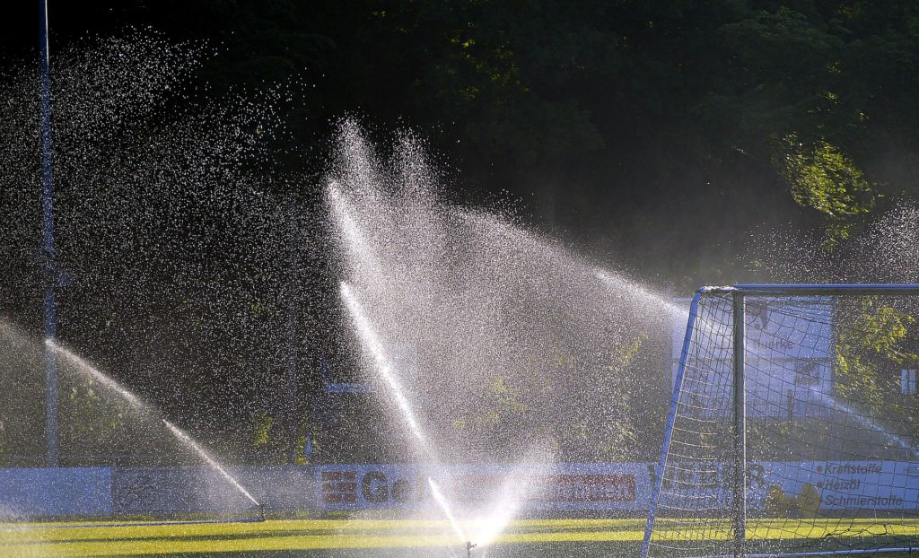 Impulsregner Sportplatz